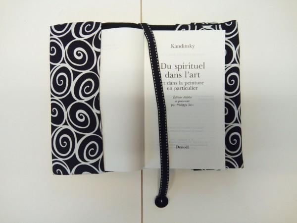 Au livre dore couverture tissus Auvergne rhone alpes